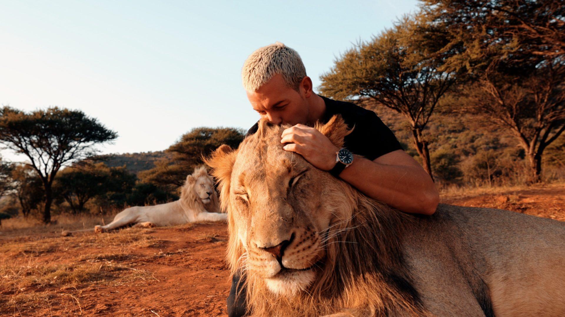 dean schneider x lion 1